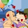 Les bébés qui s'embrassent