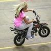 Tout sur la pit bike, la mini moto parfaite pour les filles !